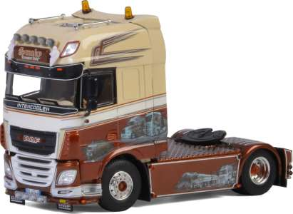 XF Super Space Cab  Showtruck