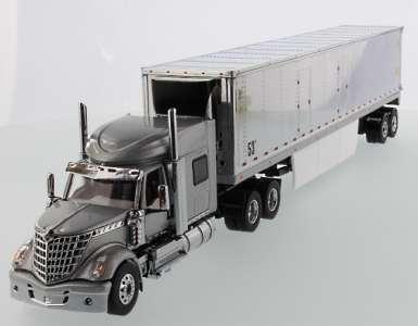 LoneStar Sleeper, 53' Refrigerated Van Silver, Chrome plated
